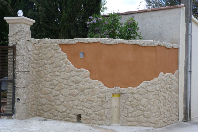 entre avec mur cassant et pierre autour nice enduit dcoratif with enduit decoratif exterieur
